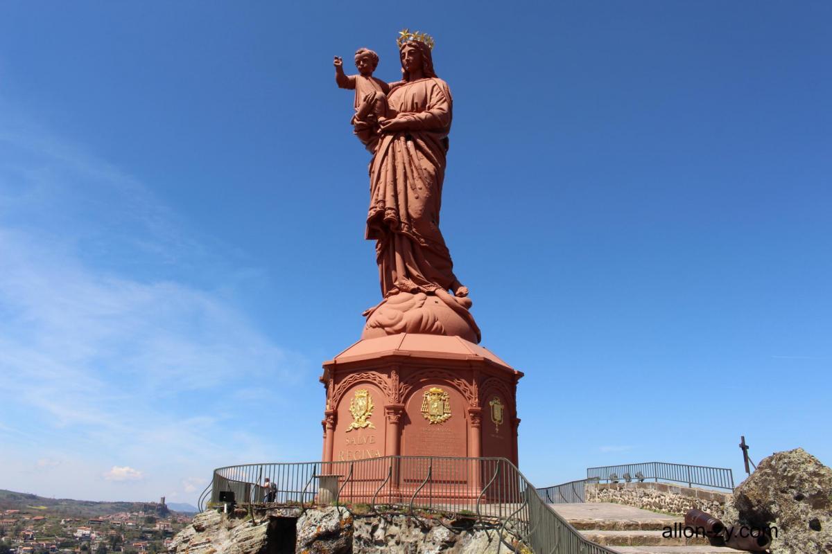 Statue notre dame de france 1